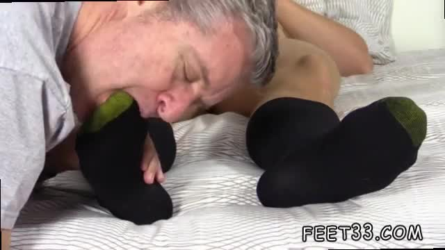 Lovely gay boy feet sleepy kenny gets foot