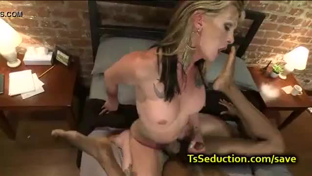 Big dick shemale seduction and cumshot